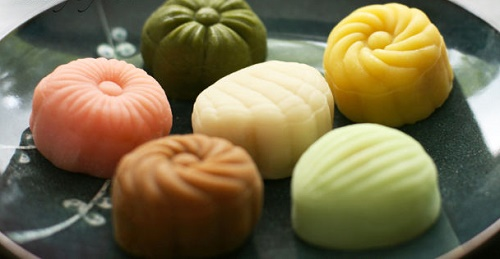 Moon cake: The sweet gift in autumn